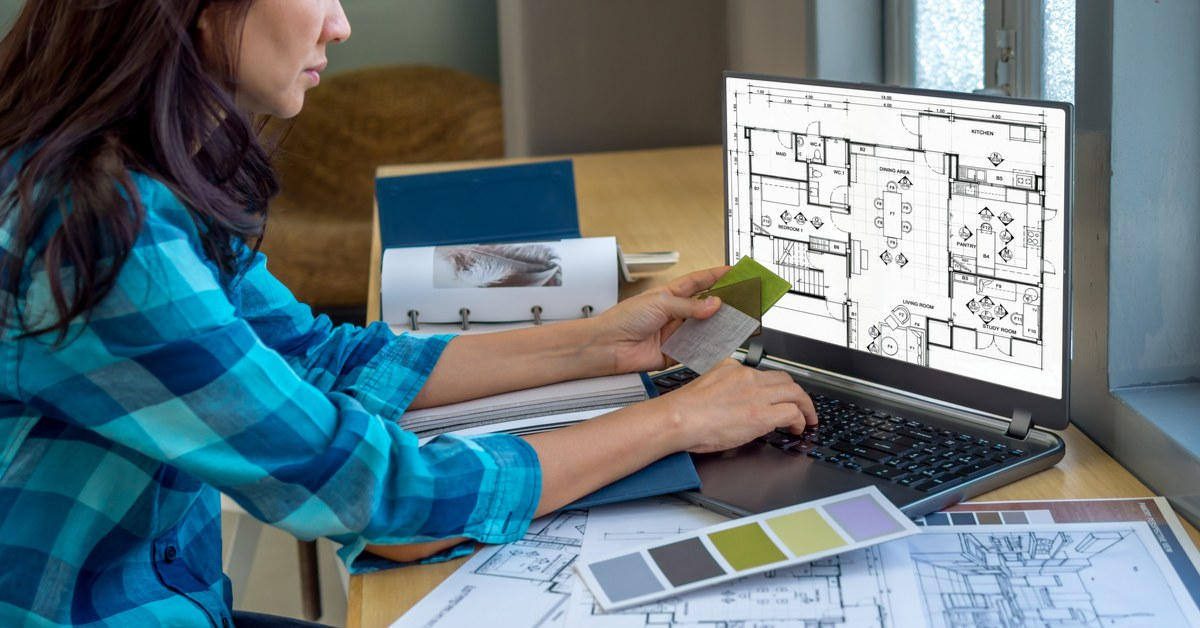 Designer helps with home decoration
