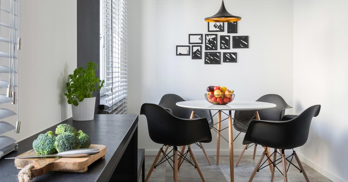 Wall art in kitchen