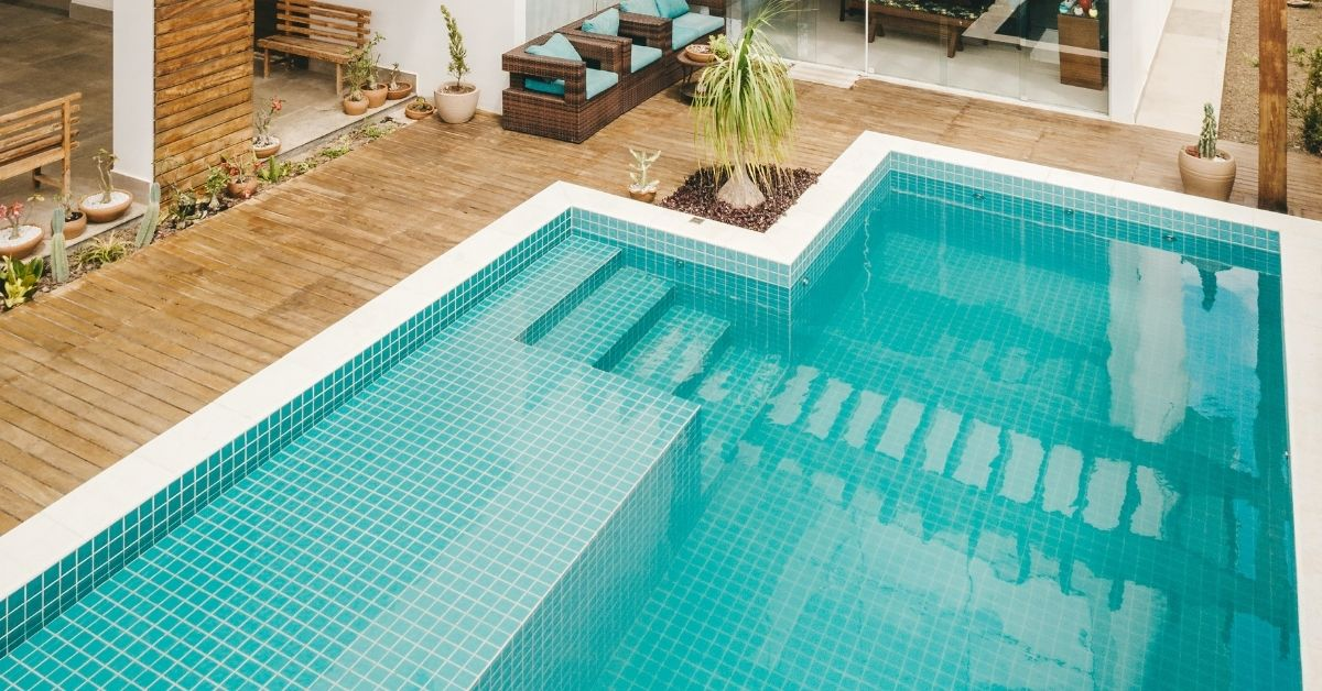 Swimming pool with levels